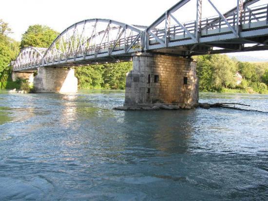 pont de la douane à Chancy