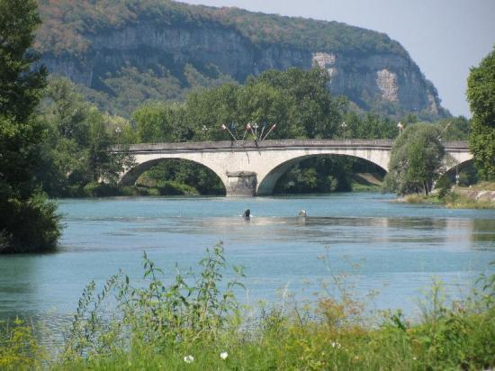 pont à Sault-Brénaz
