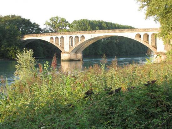 lumière du matin (pont à Lagnieu)