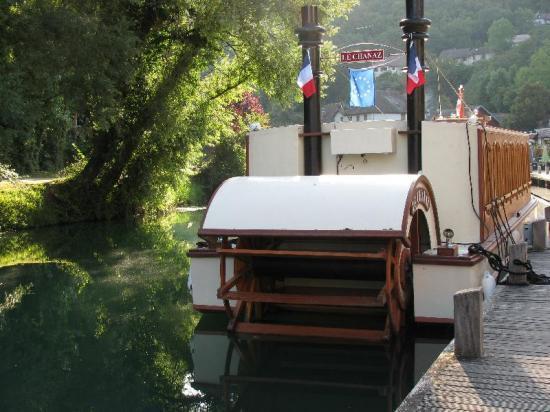 le Chanaz (bateau à aube électrique)